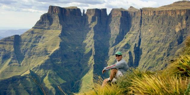 uKhahlamba-Drakensberg Park_Hiking Drakensberg Amphitheatre