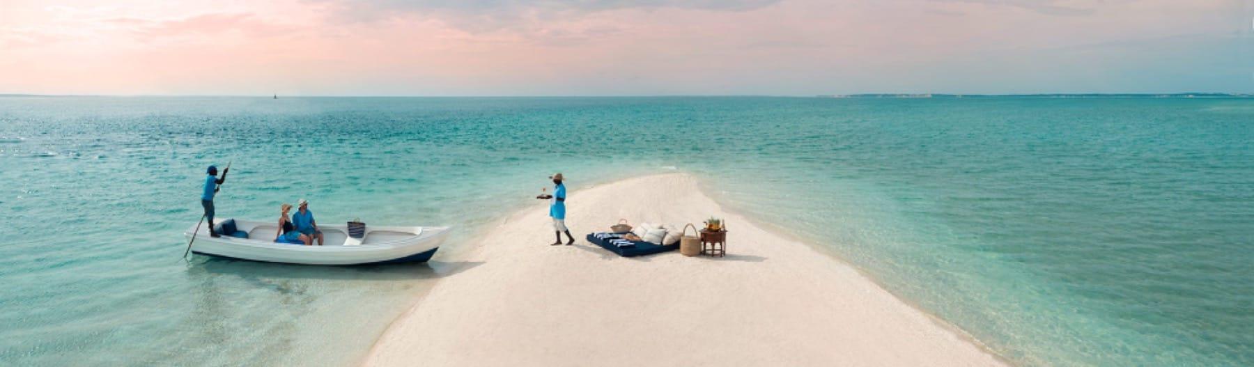 beach picnic bazaruto mozambique holiday