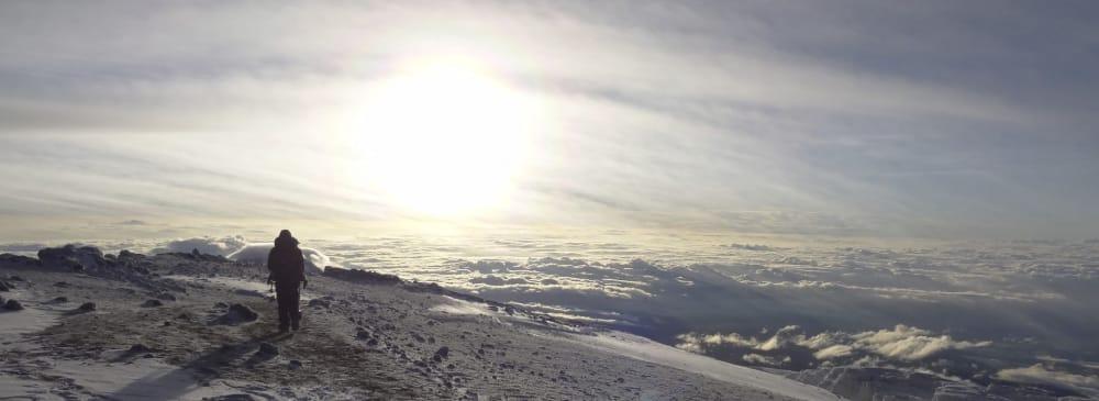 climbing mount kilimanjaro credit bookmundi