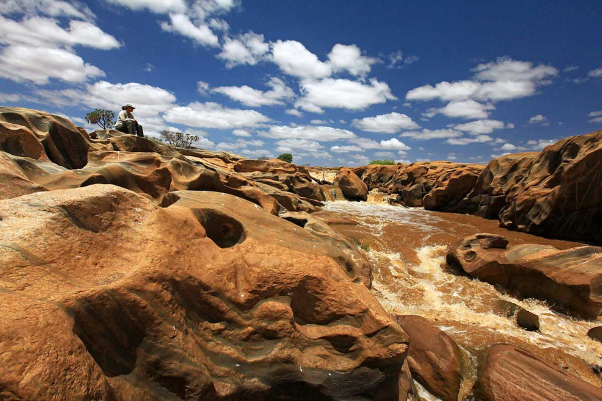 lugard falls tsavo east